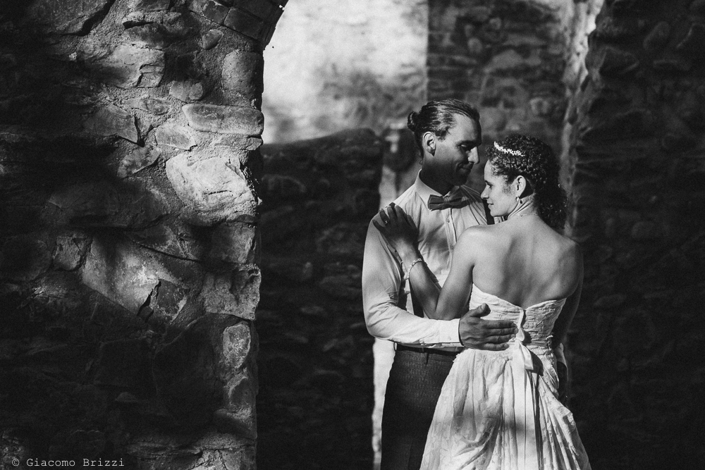 Gli sposi ballano, fotografo matrimonio ricevimento ponte del vegnuti, ceserano