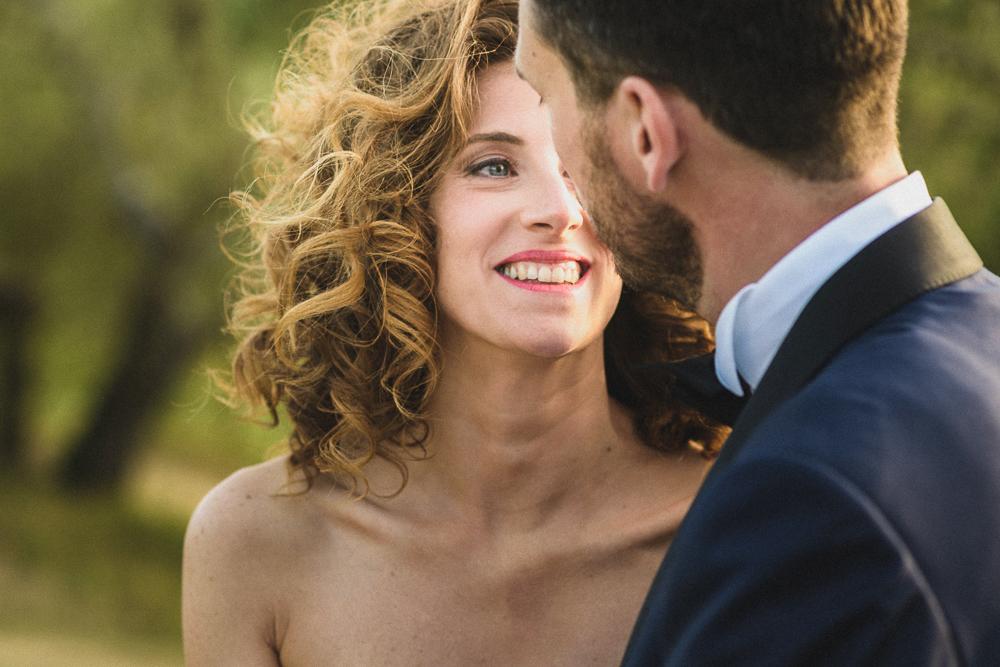 Sguardo intenso della sposa matrimonio ricevimento terre di nano