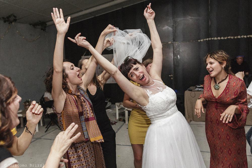 La sposa durante i balli, matrimonio Massa Carrara Toscana