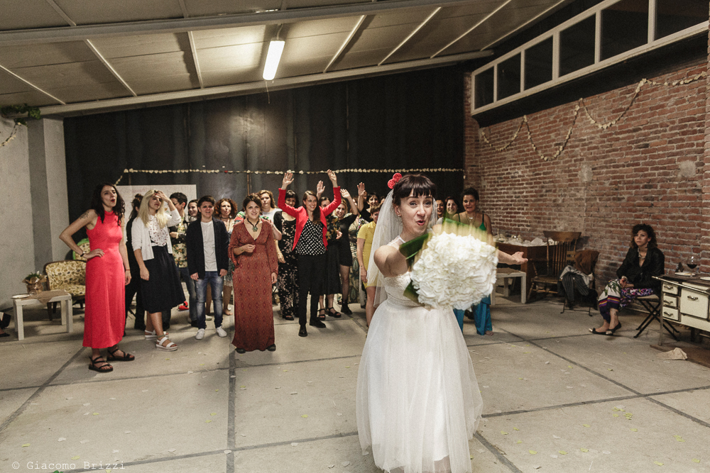 Il lancio del bouquet, matrimonio Massa Carrara Toscana