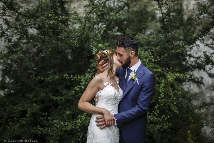 Fotografo Matrimonio Ameglia, Liguria. Bacio degli sposi. Giacomo Brizzi Fotografo, ricevimento La Locanda Dell'Angelo